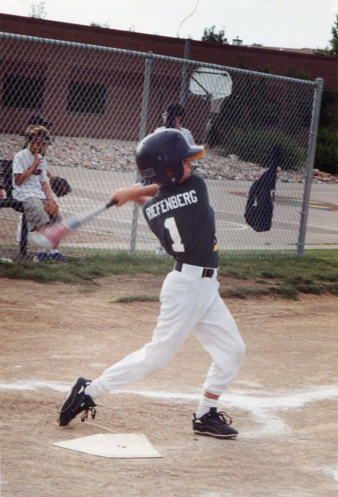 Kade_baseball_swing